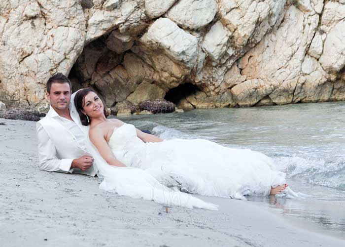 photographe2mariage-trash-the-dress-dans-la-mer